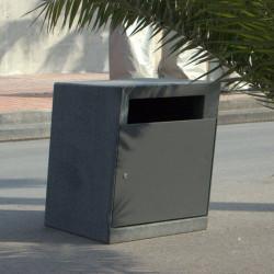 Pedra negra - poubelle en béton