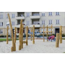 """Structure d'équilibre et d'escalade """"raton laveur"""" en bois de robinier"""