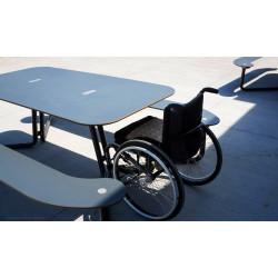 out-sider Plateau I - Picknick Tisch Behindertengerecht