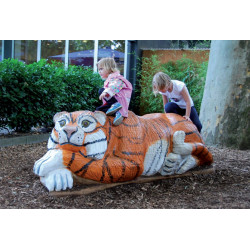 """Spielskulptur """"Tiger"""" - Robinienholz SIK"""