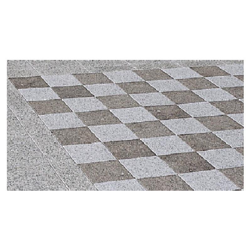 Échiquier pour jeu d'échecs au jardin
