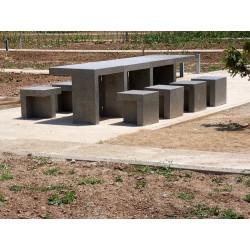 Prat - Tisch aus Beton