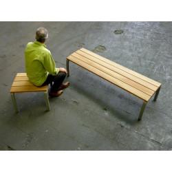 Kiwi - Hockerbank aus Aluminium und Holz