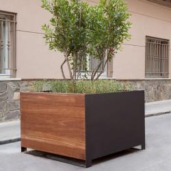 Urbe - Pflanzgefäss aus Holz