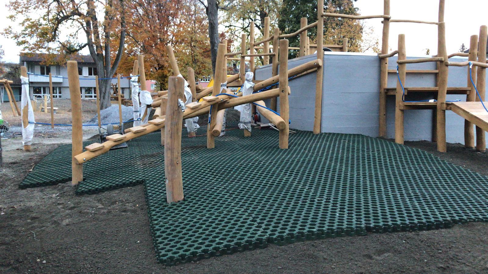 Abschluss Spielplatz-BAu